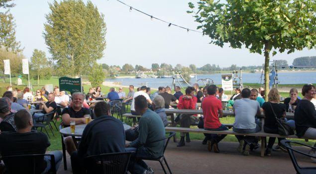 Voetgolf in Maurik, de mooiste baan van Nederland!