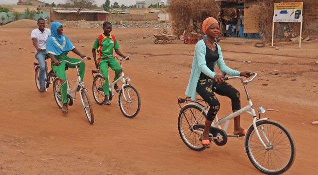 Bouw een fiets voor Afrika MVO-uitje